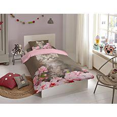 Linge de lit rose avec chatons et pétales