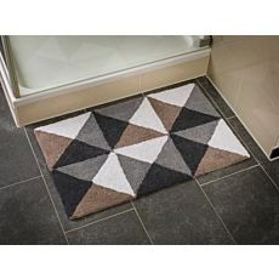 Tapis de bain à motif de triangles blanc-brun-gris-noir