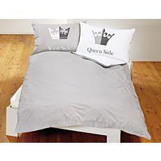 """Parure de lit en gris-blanc avec inscriptions """"King Side"""" et """"Queen Side"""""""