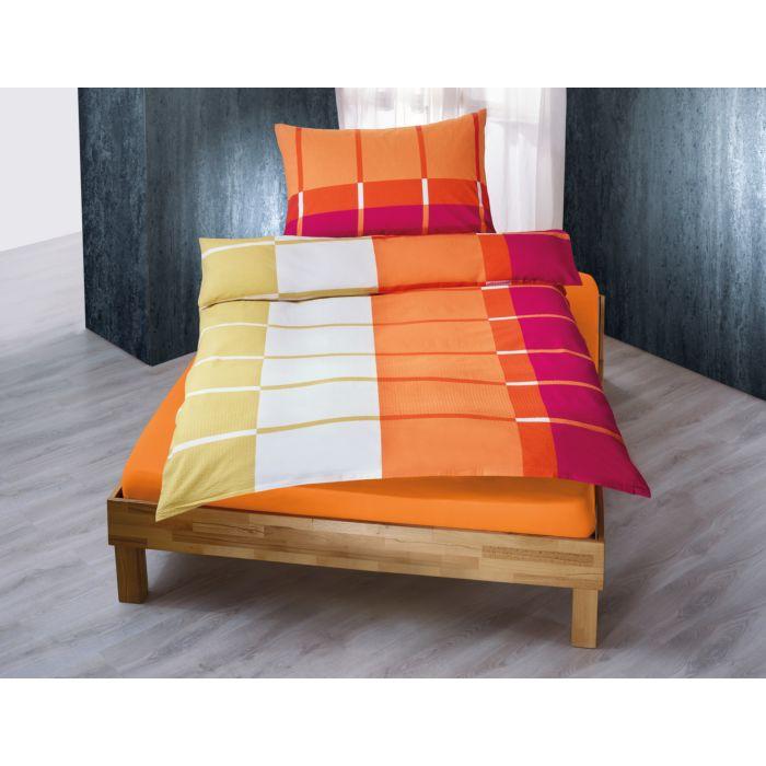 Linge de lit orné d'un mélange de carrés et de rayures