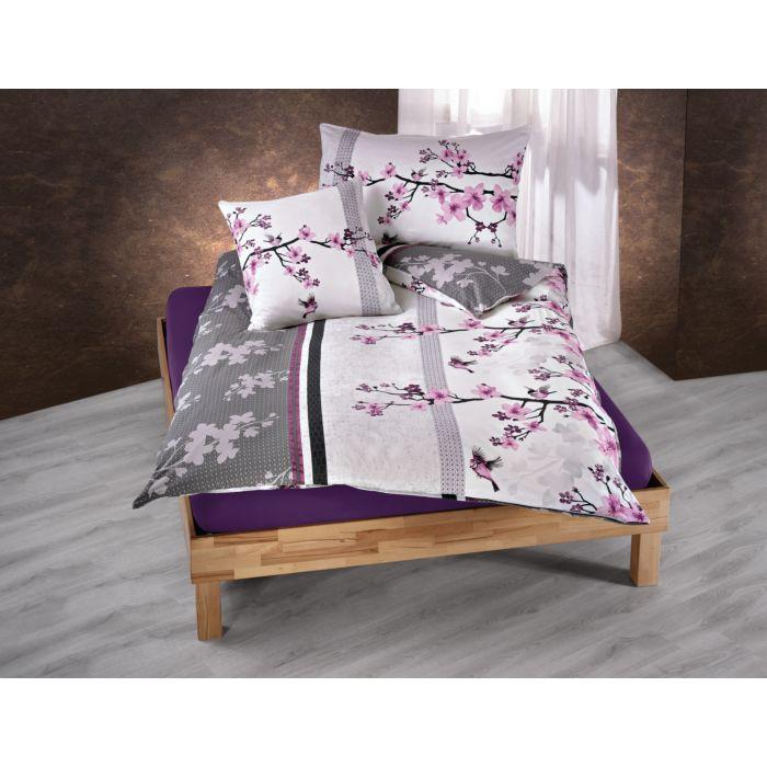 Linge de lit orné de fleurs de cerisier, en violet-anthracite