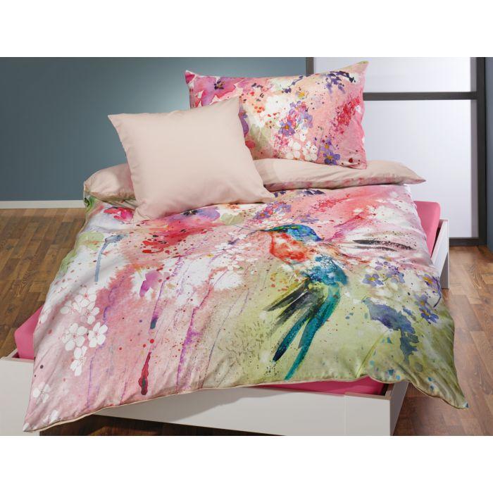 Linge de lit aux gais coloris genre aquarelle avec colibri